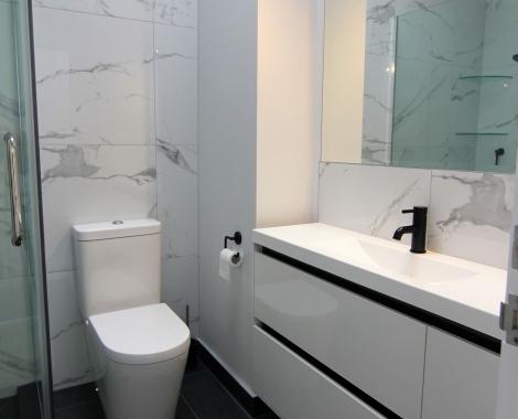 Parnell bathroom