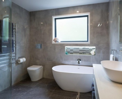 Jones-bathrom
