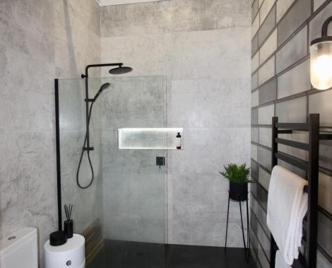 Queen-St-bathroom
