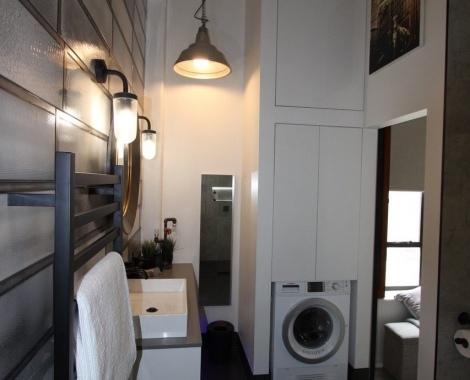 Queen-St-laundry
