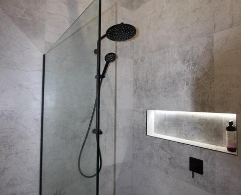 Queen-St-tiled-shower
